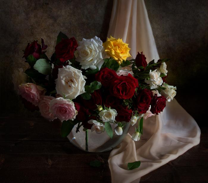 лучших великолепные фотонатюрморты с розами первым