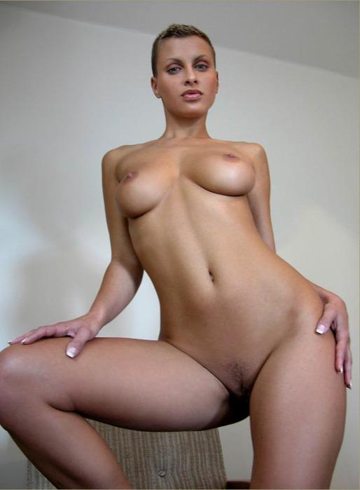 Жены лысая и голая женщина