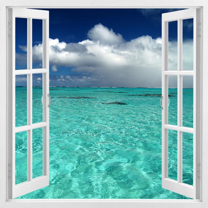 Картинка окно и море
