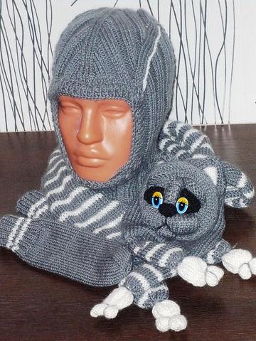 Описание: Шапка-шлем, рукавички и котошарфик.