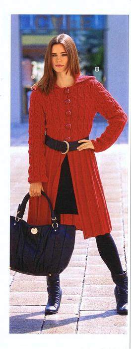 Вяжем пальто с жаккардовыми узорами, схема вязания пальто спицами.