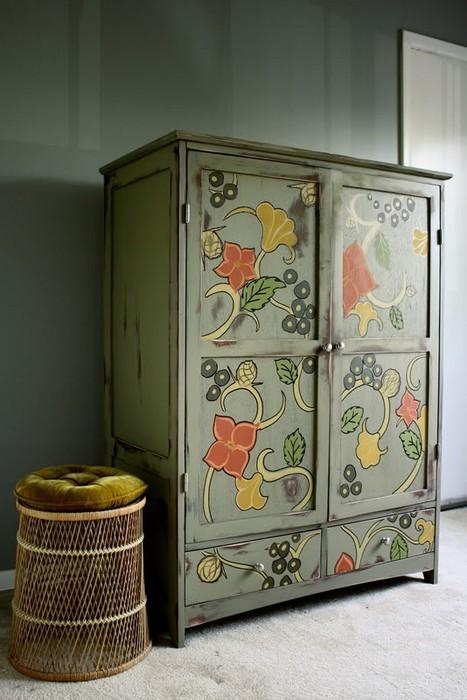 сделать новый шкаф из старого.
