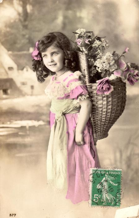 Зебра, фарфоровые девочки с голубями и снегирями открытки начала 20го века