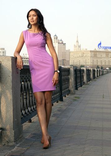 Платье-футляр - это красивый пример нестареющей классики.Этот, казалось...