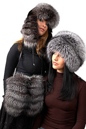 модель женской шапки ушанки из лисы с хвостом,меховые изделия.