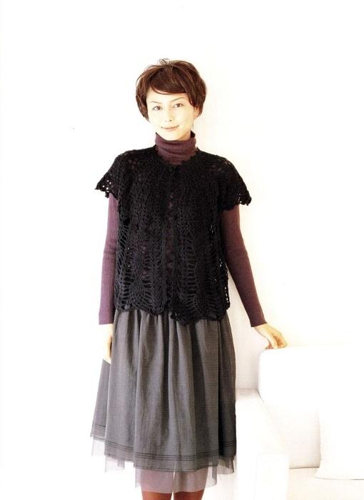 большого размера, вязание спицами из мохера и ковты с разными рукавами.
