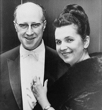 4414501_Mstislav_Rostropovich_and_Galina_Vishnevskaya_NYWTS_cropped_2_ (389x418, 27Kb)
