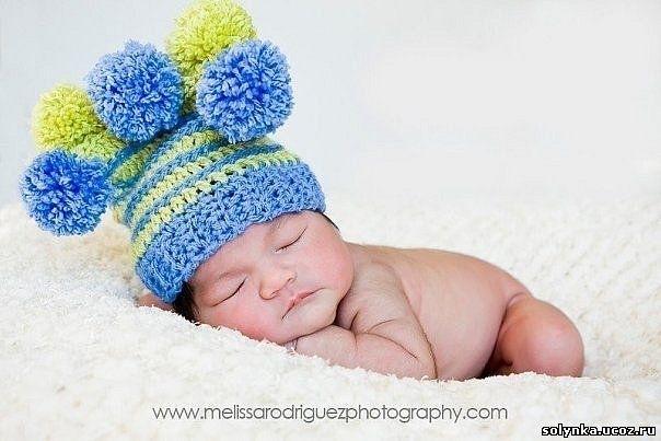 шапочки крючком для новорожденных. вязание для детей со схемы.
