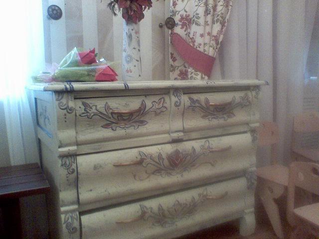 декупаж старой мебели.