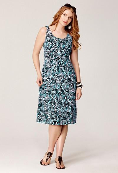 Большинство фасонов платьев из трикотажа универсальны и подходят для...