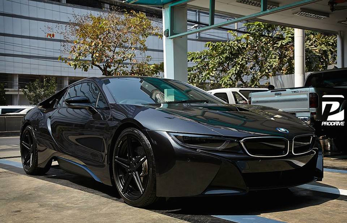 Black-on-Black-BMW-i8-0 (700x449, 353Kb)