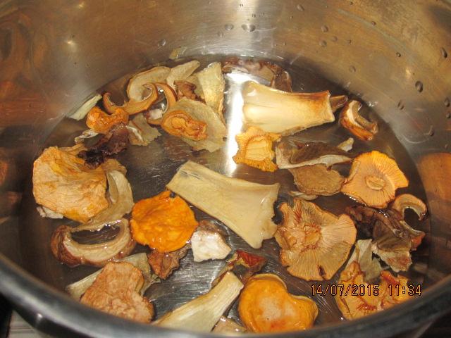 Сколько времени варить сушеные белые грибы