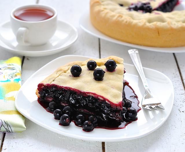 Веганский пирог со смородиной