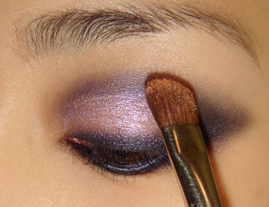 pink-blue-smoky-eye-makeup-tutorial-step8 (550x423, 61Kb)