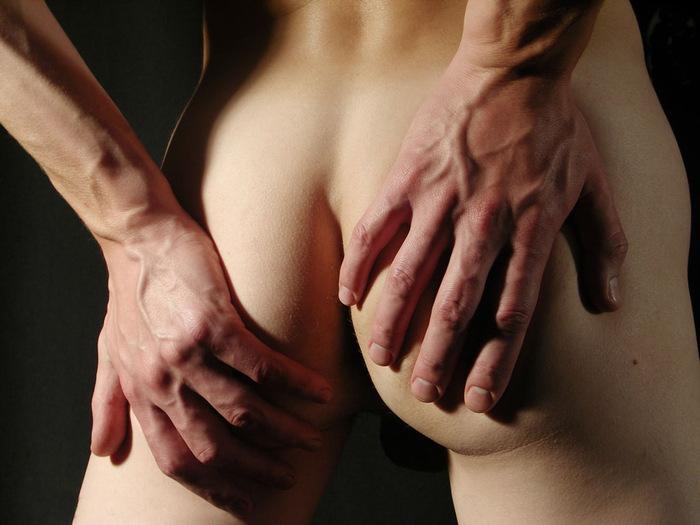Секс рука с мужчинами