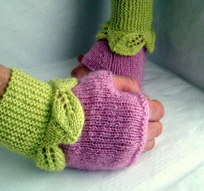 Вязать митенки можно как с большим пальцем, так и без него, оста.