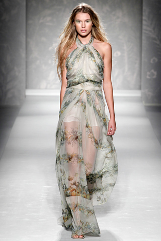 будут сшиты теплые модные платья 2011Ширина.  Akijas.  798 pxРазмер.