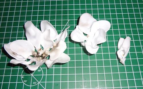 роза из пластиковых ложек/3518263_roza4 (500x313, 79Kb)