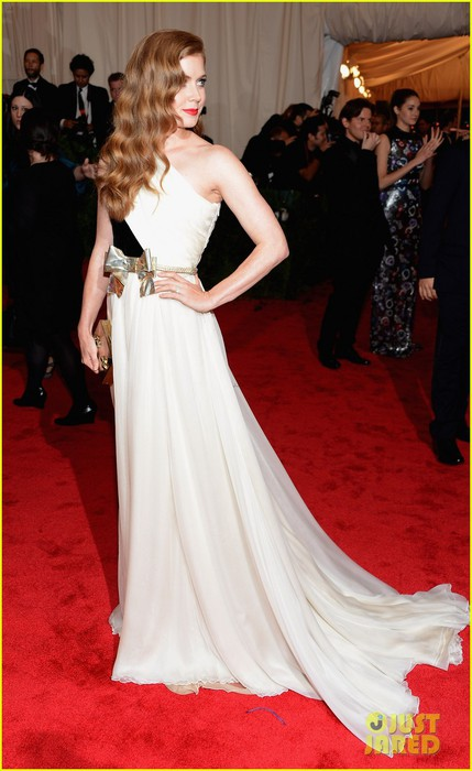 amy-adams-2012-met-ball-02 (429x700, 74Kb)