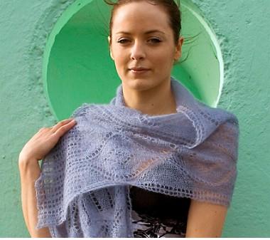 Легкий ажурный нарядный шарф.