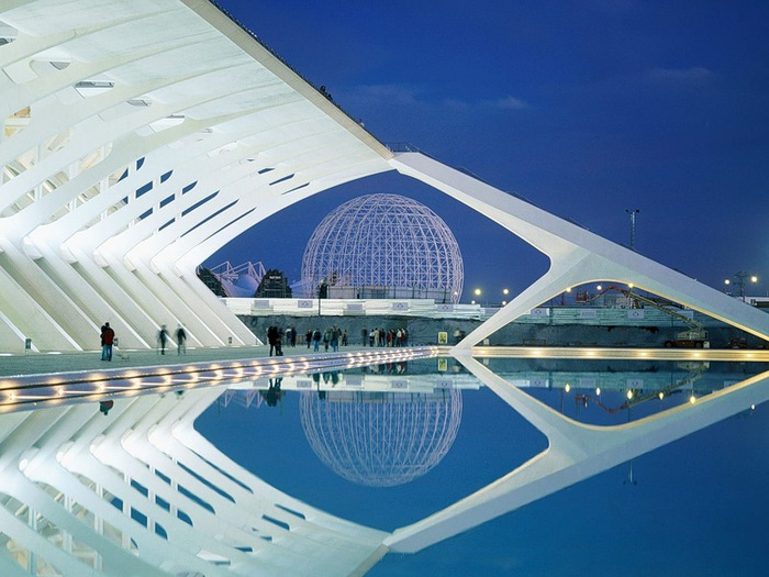 4085248_City_of_Arts_and_Sciences_Valencia_Spain (700x525, 106Kb)