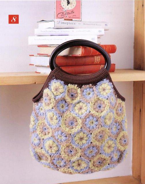 Большая коллекция сумок и схем с цветами.  Прочитать целикомВ.