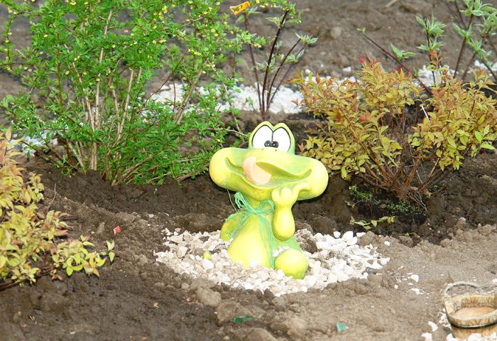 Фигурки для сада своими руками фото 234