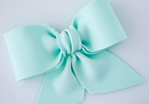How-to-make-a-gum-paste-bow- (525x365, 34Kb)