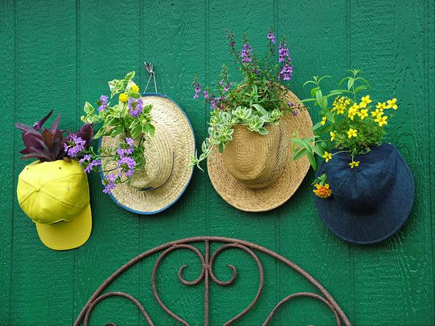 Original-Nancy-Ondra_unique-container-gardens-hats_s4x3_lg (616x462, 71Kb)