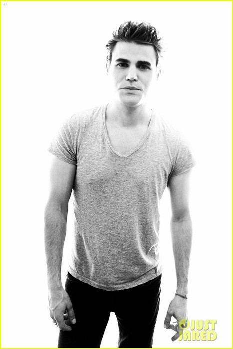 vampire-diaries-cast-portraits-at-comic-con-01 (467x700, 52Kb)