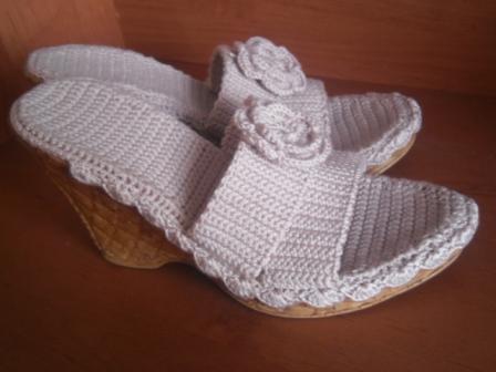 вязаные сандалии для взрослых крючком схемы разные модели