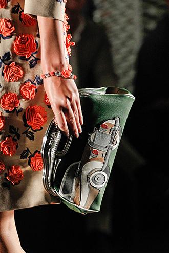 мода 2012, модные сумки, модные тенденции весна-лето 2012, prada, модные.