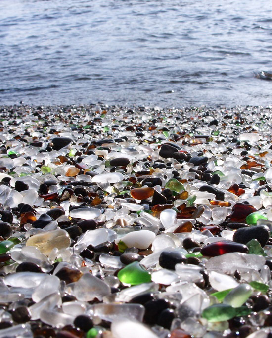 glass-beach-1 (550x684, 153Kb)