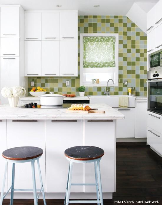 small-bright-white-kitchen (550x697, 162Kb)