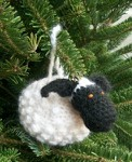 Превью Chubby-Sheep-ornament-on-tree-side-view-244x300 (244x300, 31Kb)