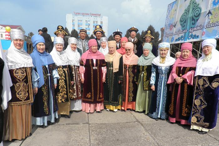 Одежды национальной знакомство с казахской