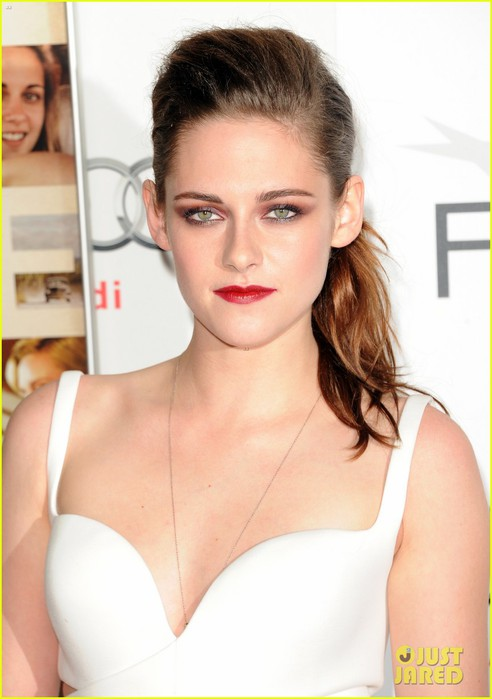 kristen-stewart-on-the-road-afi-screening-13 (492x700, 61Kb)