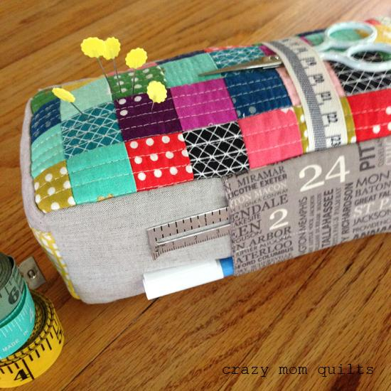 carry-all pin cushion 2 (550x550, 276Kb)