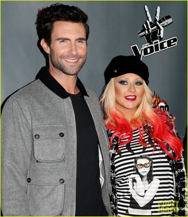 christina-aguilera-the-voice-final-12-party-with-adam-levine-07 (607x700, 145Kb)
