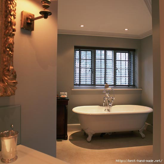 Bathroom--traditional-roll-top--25-Beautiful-Homes (550x550, 100Kb)