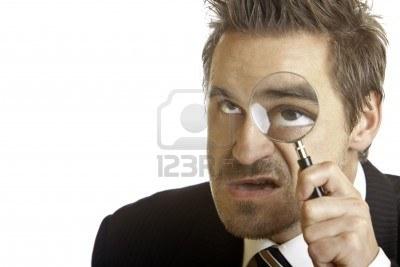 5760966-businessman-analyze-problem-with-magnifying-glass (400x267, 18Kb)