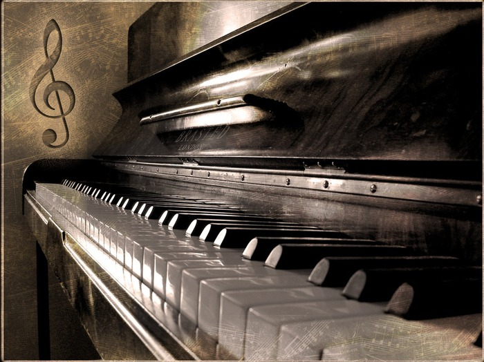 1330976781_old_piano_wallpaper_s0qpj (700x524, 119Kb)