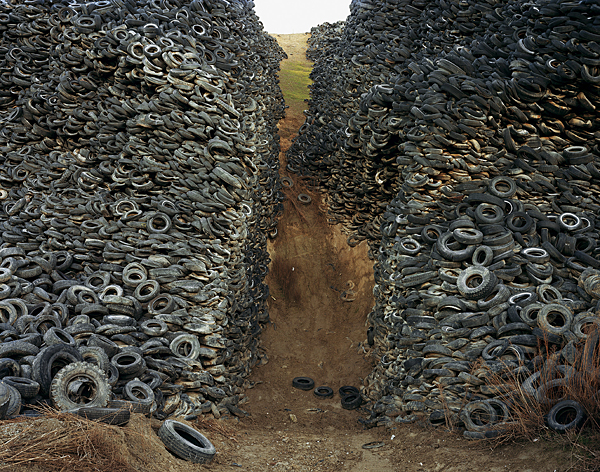 Oxford_Tire_Pile_8 (600x472, 433Kb)