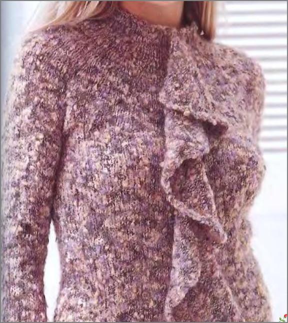 Пуловер из пряжи букле.