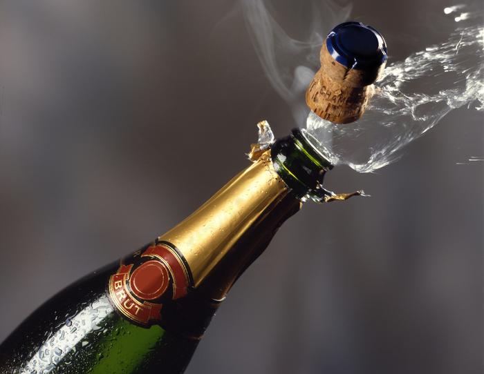 фото открывание шампанского кемерово из-за
