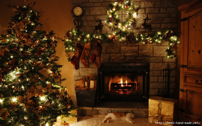 antique-christmas-decoration-in-the-living-room (700x437, 299Kb)