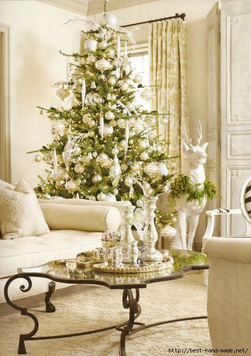 Classy-White-Themed-Christmas-Living-Room-with-Deer-Sculpture-600x852 (492x700, 235Kb)