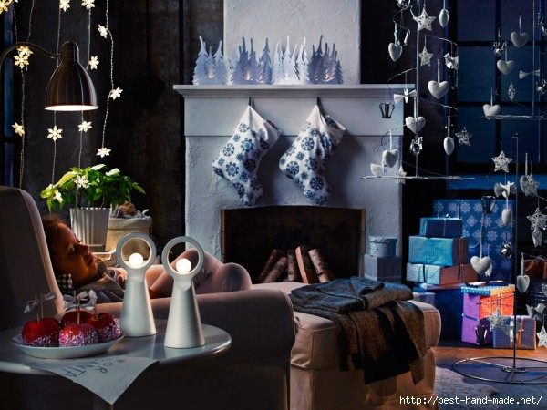 Dark-Christmas-Living-Room-with-White-Christmas-Accessories-600x450 (600x450, 170Kb)