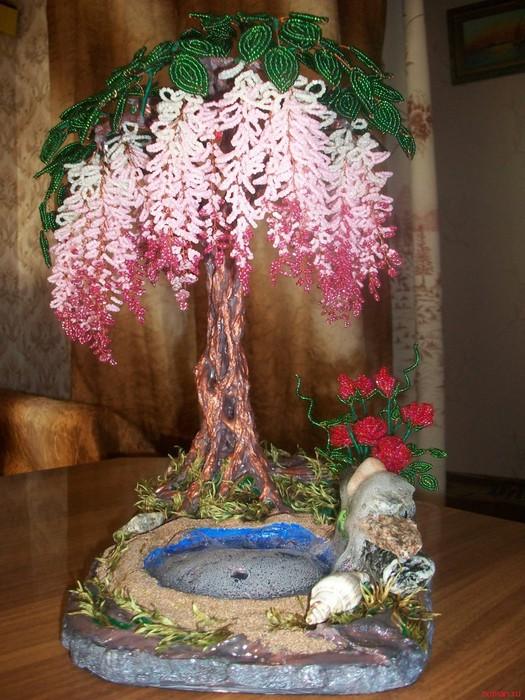 Водопады сделанные с деревьями из бисера