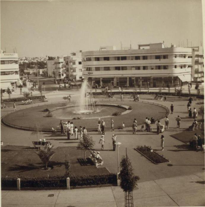 5 Площадь Дизенгоф, Тель-Авив. 2 июля (691x700, 55Kb)